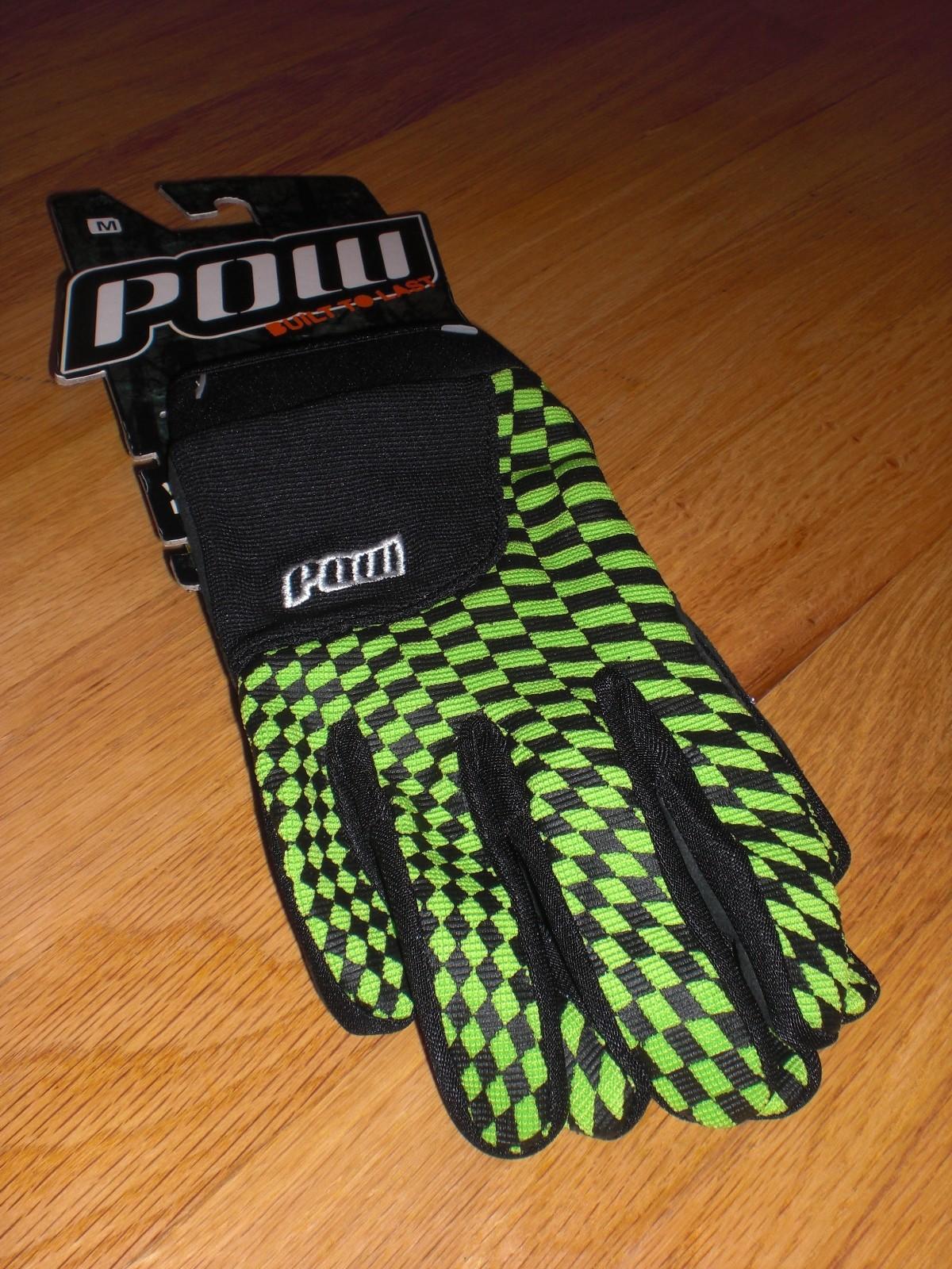 POW Slick Gloves in green