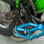 Spank Spike Flat Pedals in Blue