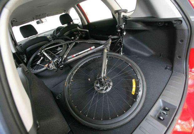 Hyundai i30cw Bike Inside